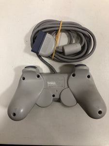 Sony Ps one + 1 manette + 4 jeux +carte mémoire