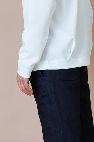STILL BY HAND | Diagonal Seam Sweatshirt | white | Baumwolle