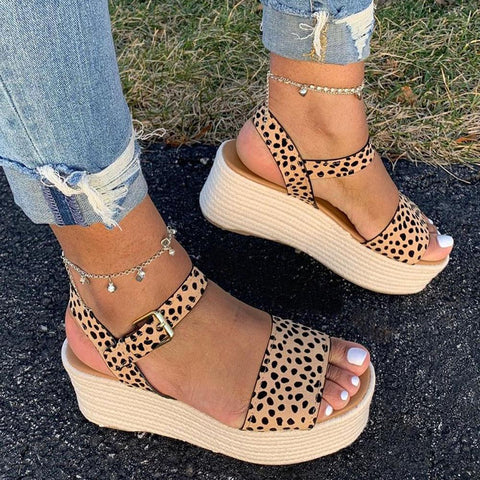 Open toe leopard casual sandal with buckle
