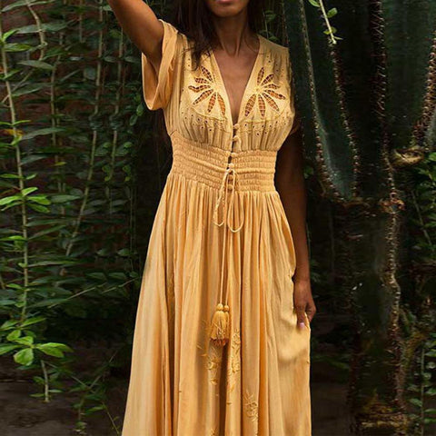Summer Bohemian holiday V-neck short sleeve cut embroidery dress