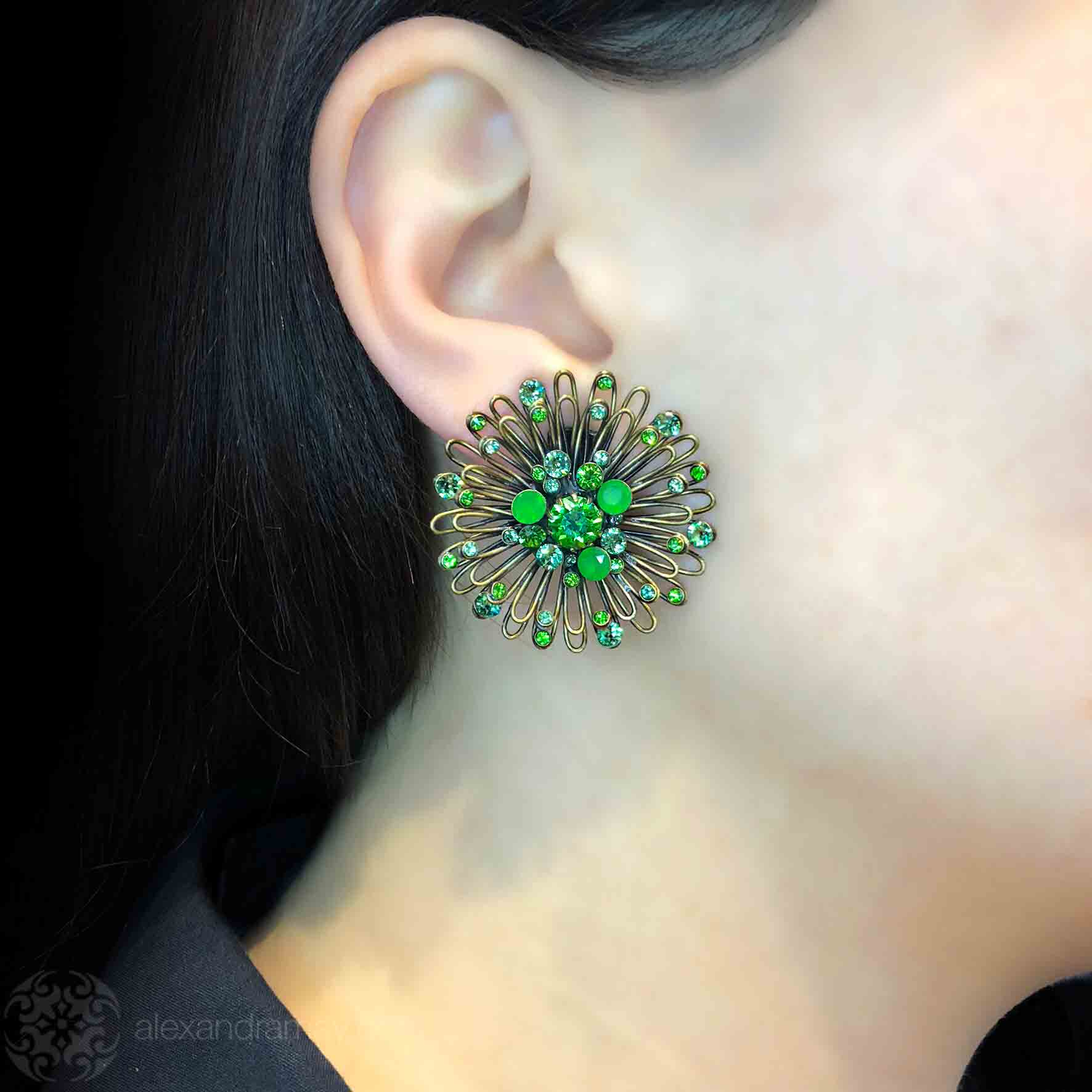 Konplott 'Distel' Green Swarovski Stud Pierced Earrings (633497)
