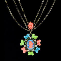 Konplott 'Macaroon' Small 3 Chains Pendant Necklace (051833) closeup