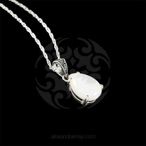 Luke Stockley Marcasite & Mother of Pearl Classic Teardrop Pendant Necklace (HP233-MOP) detail