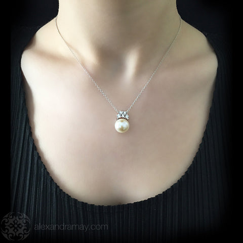 Lustre of London Silver Pearl Pendant Necklace (PN507CVW) model