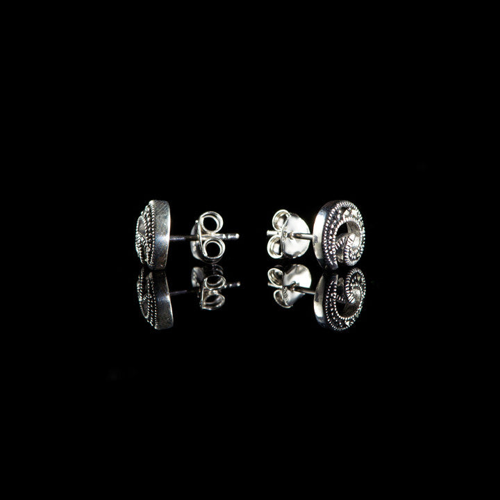 Luke Stockley Marcasite & Silver Plain Spiral Stud Earrings (HE589) DETAIL