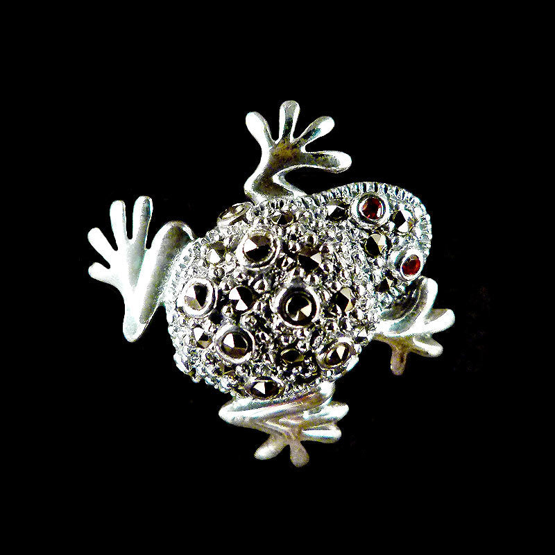 Sterling Silver & Marcasite Tiny Frog Pendant Brooch - front