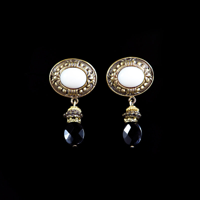 Patrice Black & White Pierced Earrings (4HT IBOP)