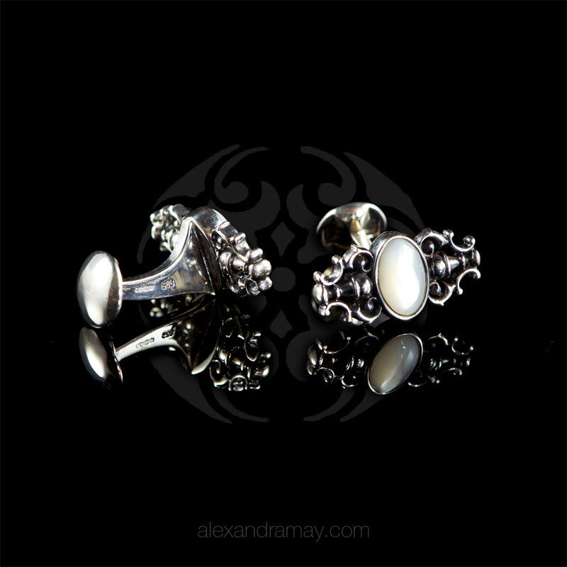 WD London Sterling Silver Mother of Pearl Shell Baroque Cufflinks detail
