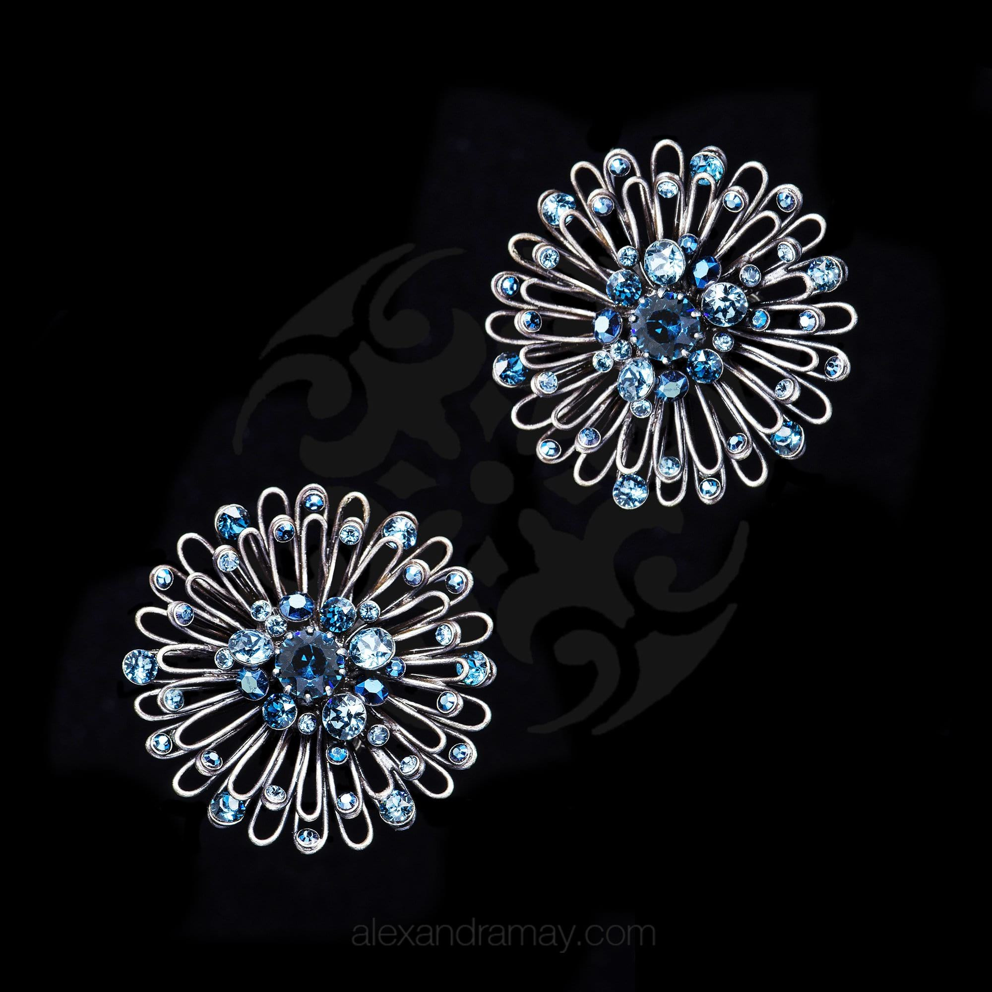Konplott 'Distel' Ice Blue Swarovski Stud Pierced Earrings (628523)