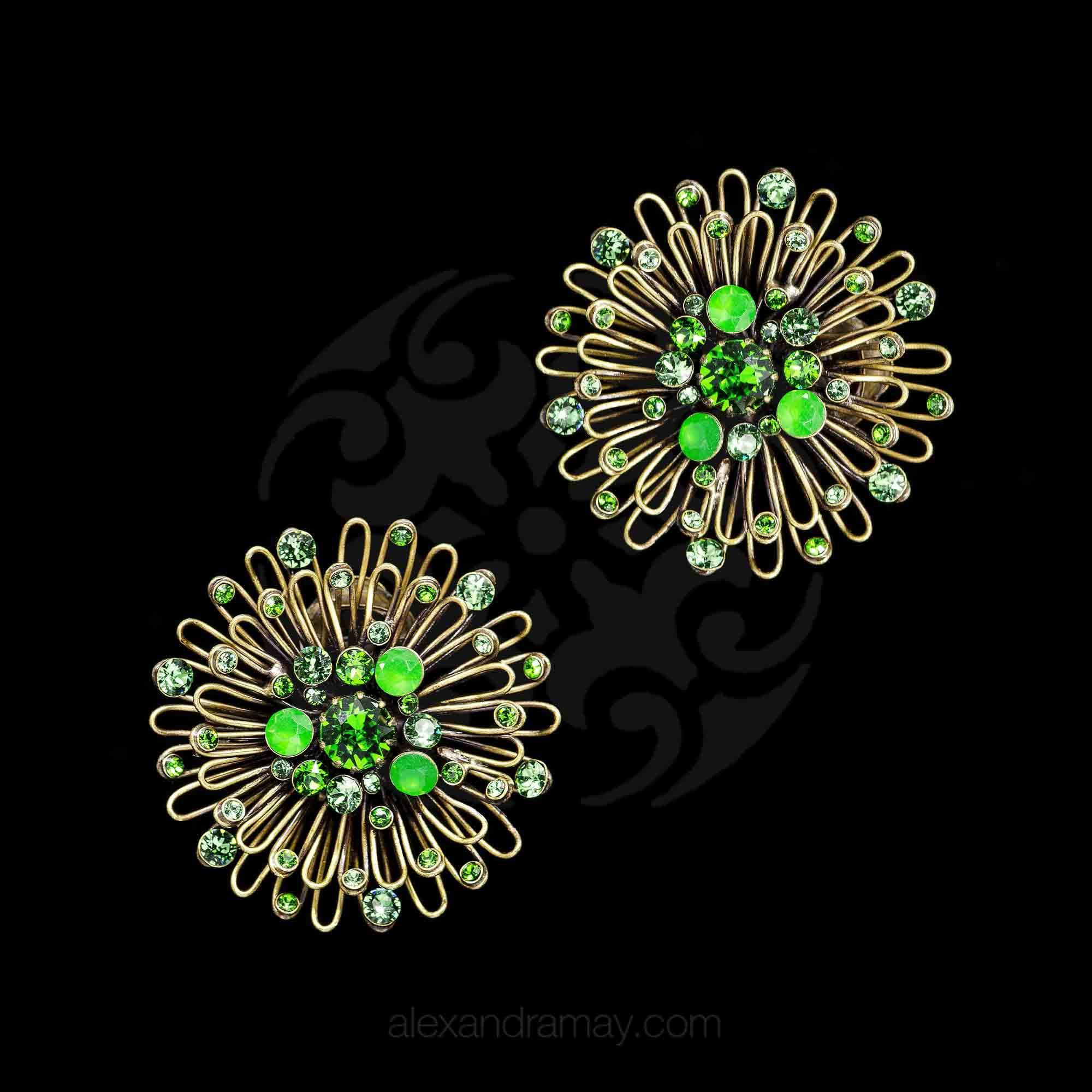 Konplott 'Distel' Green Swarovski Clip-on Earrings (633480)