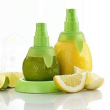 Cargar imagen en el visor de la galería, 2Pcs/set Lemon Sprayer Kitchen Gadgets Fruit Juice Citrus Spray Orange Juice Spritzer Cocina Criativa Cooking Tools