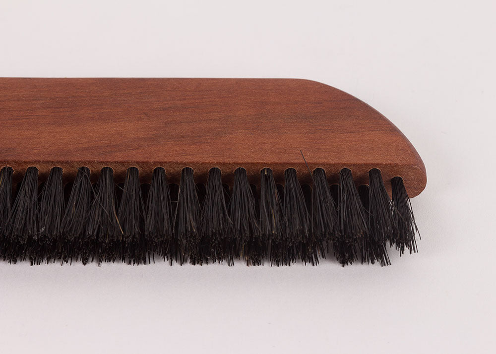 Bürstenhaus Redecker Pocket Clothes Brush | Oiled Pearwood