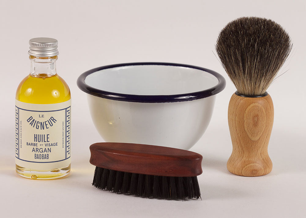 Bürstenhaus Redecker Mini Beard Brush | Oiled Pear Wood