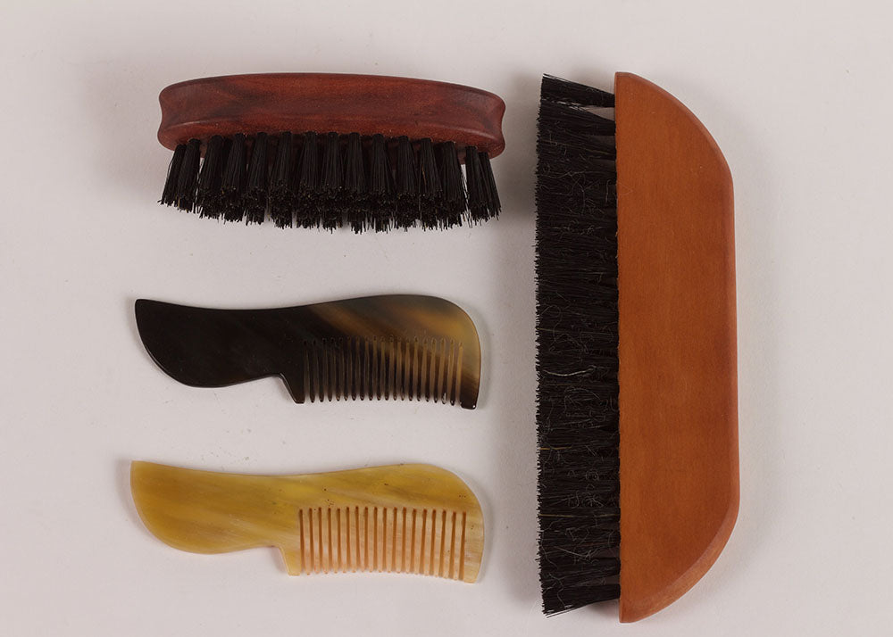 Bürstenhaus Redecker Pocket Beard Comb | Natural Horn