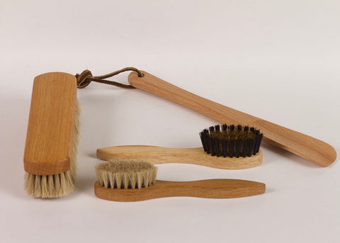 Bürstenhaus Redecker Suede Shoe Brush | Natural Horsehair & Oak