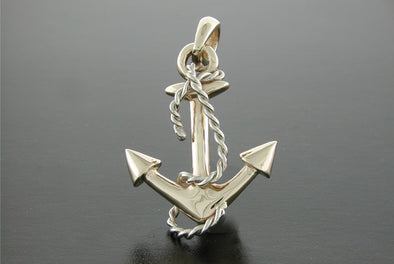 Small Anchor Pendant