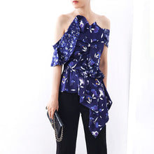 Load image into Gallery viewer, Asymmetrical Print Blouse