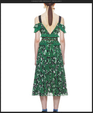 Load image into Gallery viewer, Meghan Markle Floral Ruffle Dress S-XXL - Two Colors Available