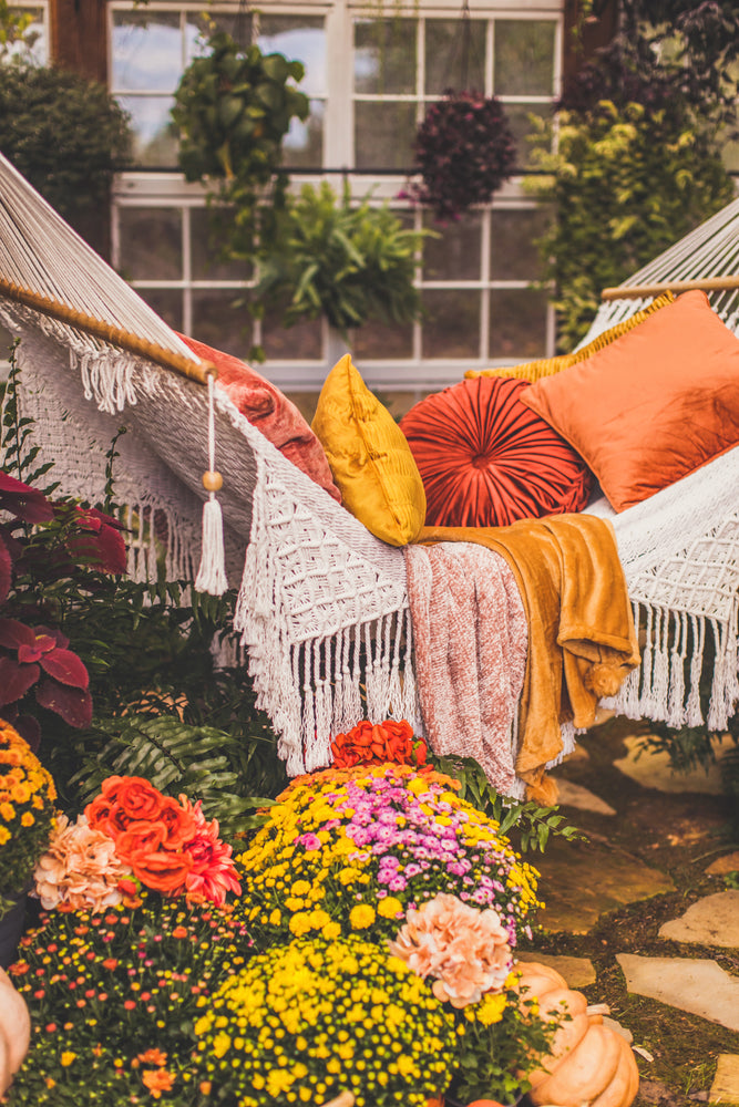 Load image into Gallery viewer, Greenhouse Boho Fringe Hammock