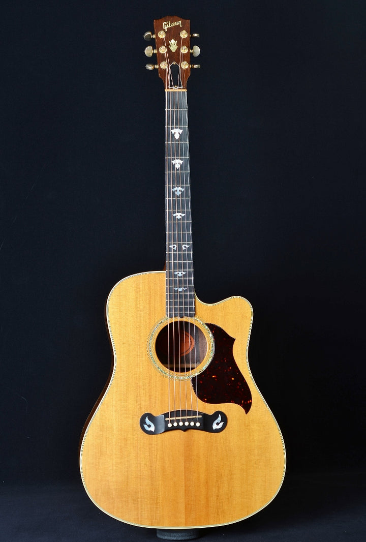 Gibson 2000 Dove Artist Cutaway - Used