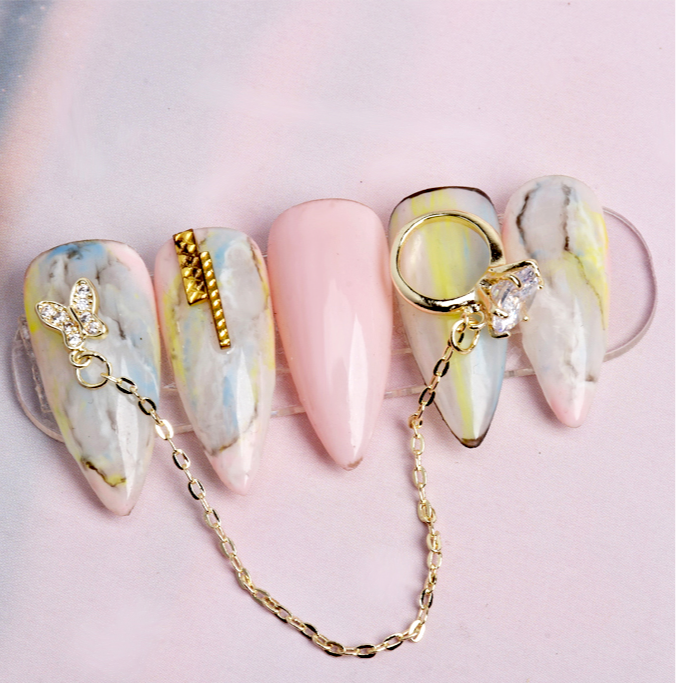 【BUY 1 GET 1 FREE!】Nail Charms-- 3D Luxury Gold Crystal Ring With Chain (1pcs)