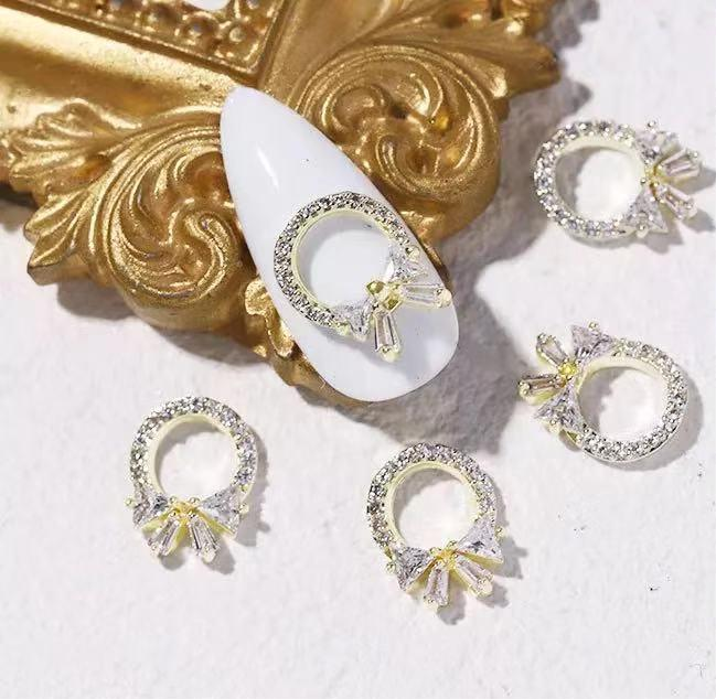 【BUY 2 GET 1 FREE!】3D Luxury Fancy Ring Shaped Studded With Diamond Nail Charms Decals (2pcs)