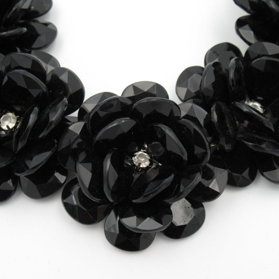 Gold toned Flower Plastic 5 Black Link necklace - Clotheshorse Boutique
