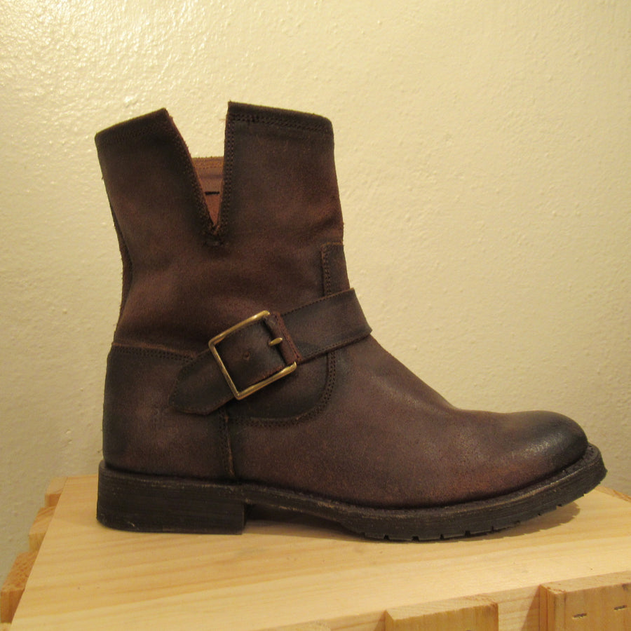 Frye Dk brown Leather Distressed Ankle boots