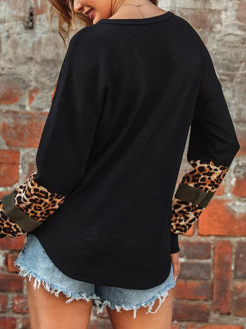 Leopard Stitched V-neck Knitted Sweatshirt