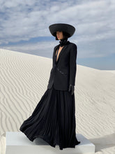 Load image into Gallery viewer, Philippe Model Avant Garde Black Straw Hat