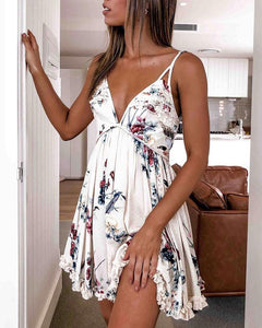Spaghetti Strap Floral Print Pleated Dress