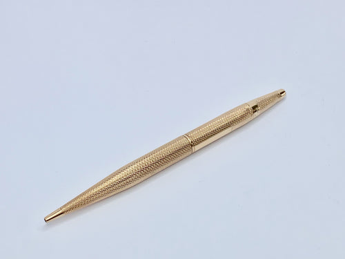 An impressive gold pencil dated back to 1931. Hallmarked for Birmingham.
