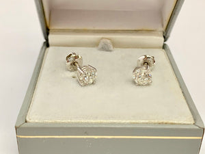 18ct White Gold Diamond Earrings