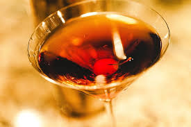 classic-manhattan-cocktail-sexy-makers-mark-whiskey