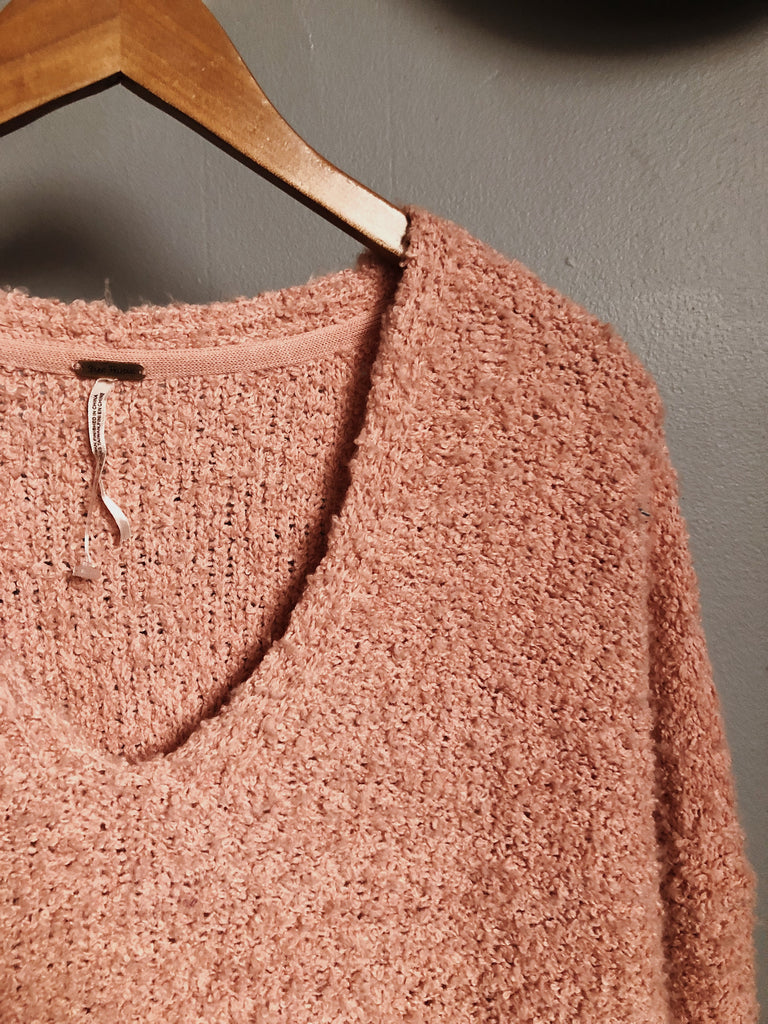 free people Sweater in Peach, XS