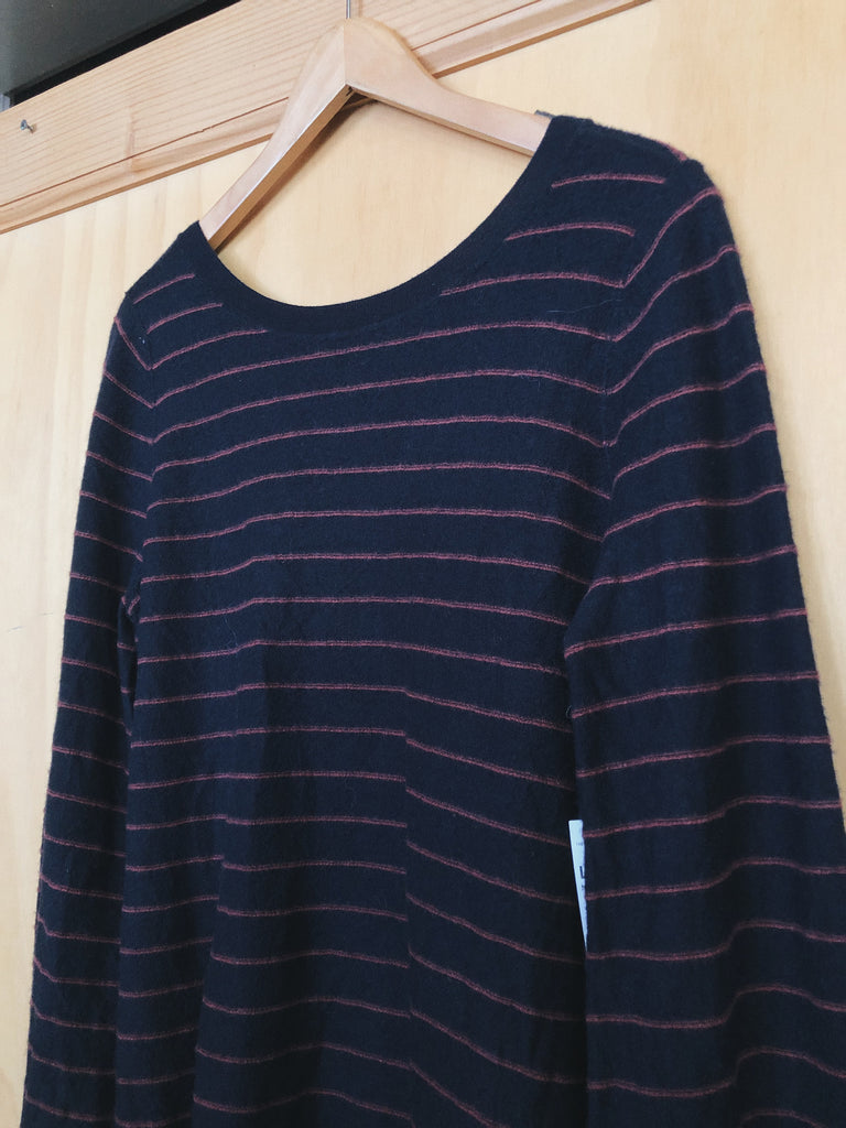 Vince Sweater in Navy, L