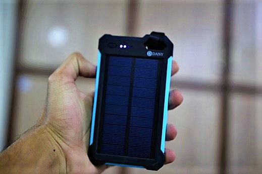 Dany solar power bank 8000mAh - Saamaan.Pk