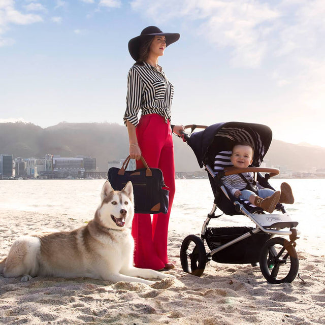 Mountain Buggy urban jungle luxury collection stroller in nautical white and black checkered colour is perfect for all terrain beach walks_nautical