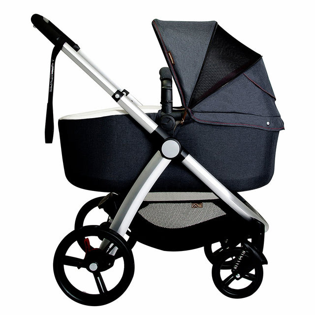Mountain Buggy pre-2017 cosmoploitan carrycot attached to the cosmopolitan buggy in parent facing mode_black