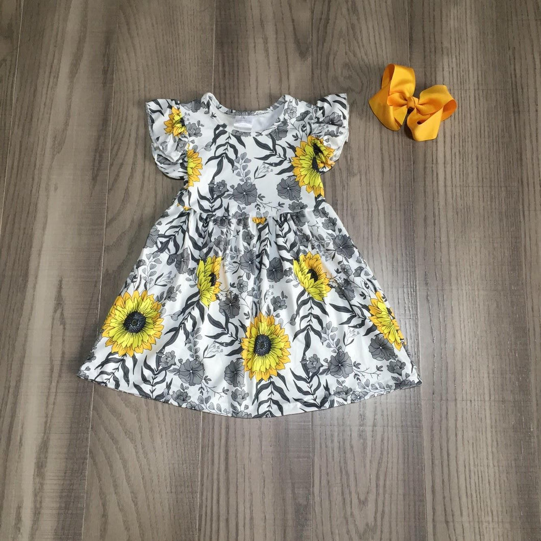 Black and White Flutter Short Sleeve Sunflower Dress