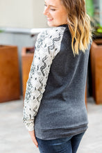 Load image into Gallery viewer, IN STOCK Snakeskin Sleeve Pullover