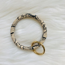 Load image into Gallery viewer, Snake Skin Key Ring Bracelet - pretty-simple-2