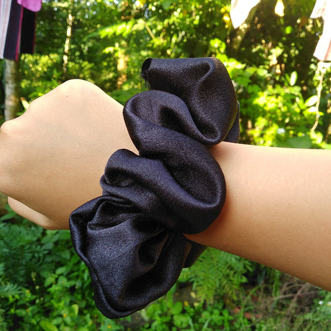 Black Satin Scrunch