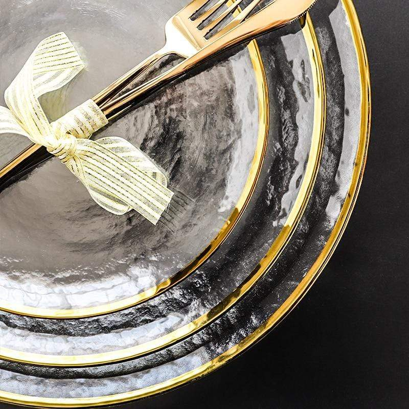 Opaque plates with gold edging