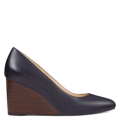나인 웨스트 NINE WEST Jazzin Almond Toe Wedges,Navy Leather