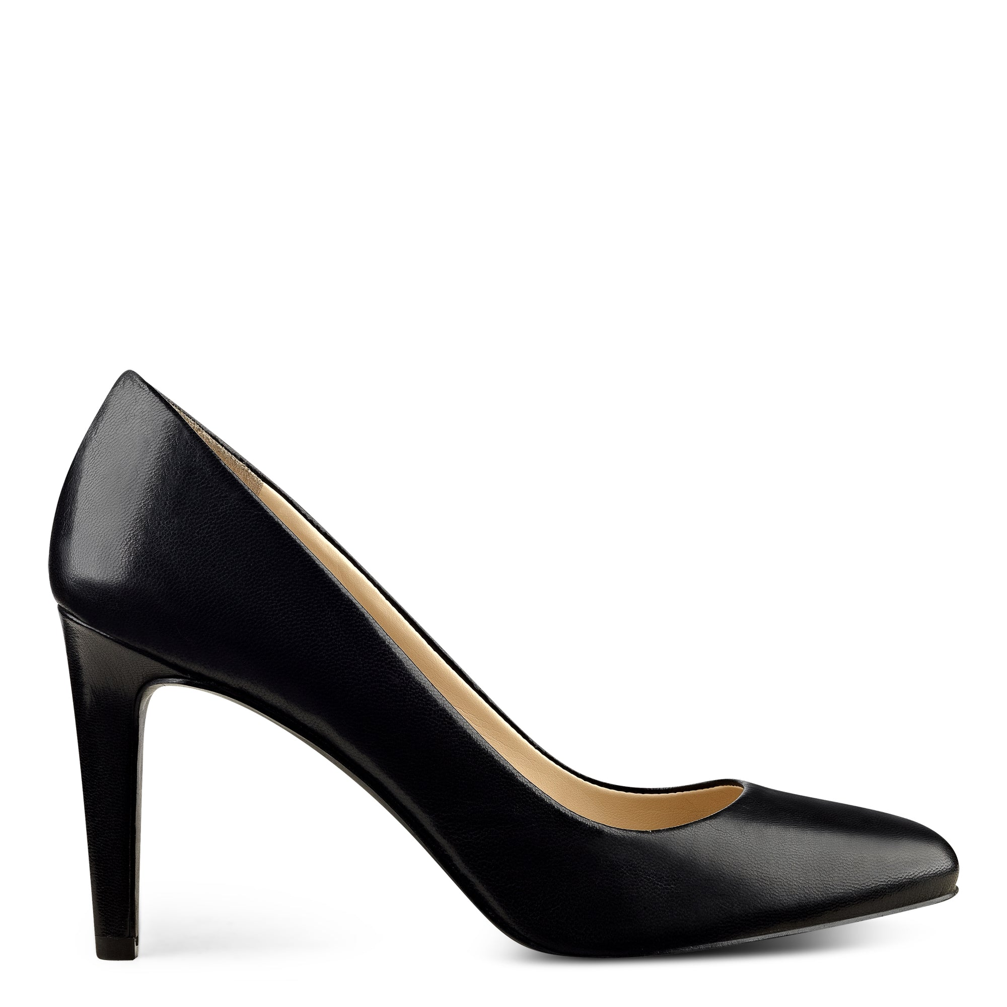 Handjive Round Toe Pumps