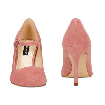 Daphne Mary Jane Pumps