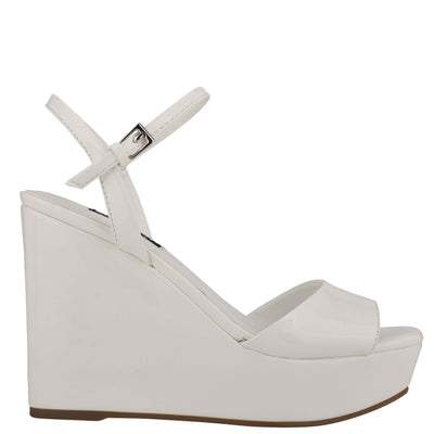 나인 웨스트 NINE WEST Kinda Platform Ankle Strap Sandals,White Patent