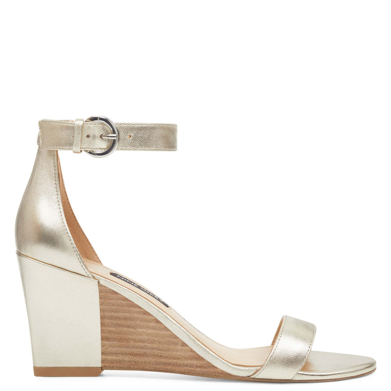 나인 웨스트 NINE WEST Sloane Wedge Sandals,Gold Synthetic