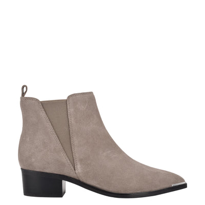Yazy Pointy Toe Booties
